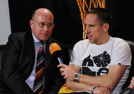 Norbert J. Heikamp dolmetscht Franck Ribéry